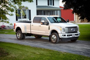 2017-Ford-F350-Super-Duty-Review